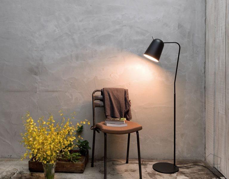 002p1169 Lámpara de Pie Tulipa Basculante