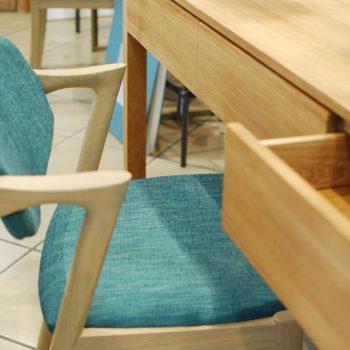 045a327 Silla Tapizada con brazos madera