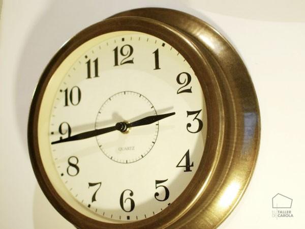05463831120 Reloj Redondo Latón