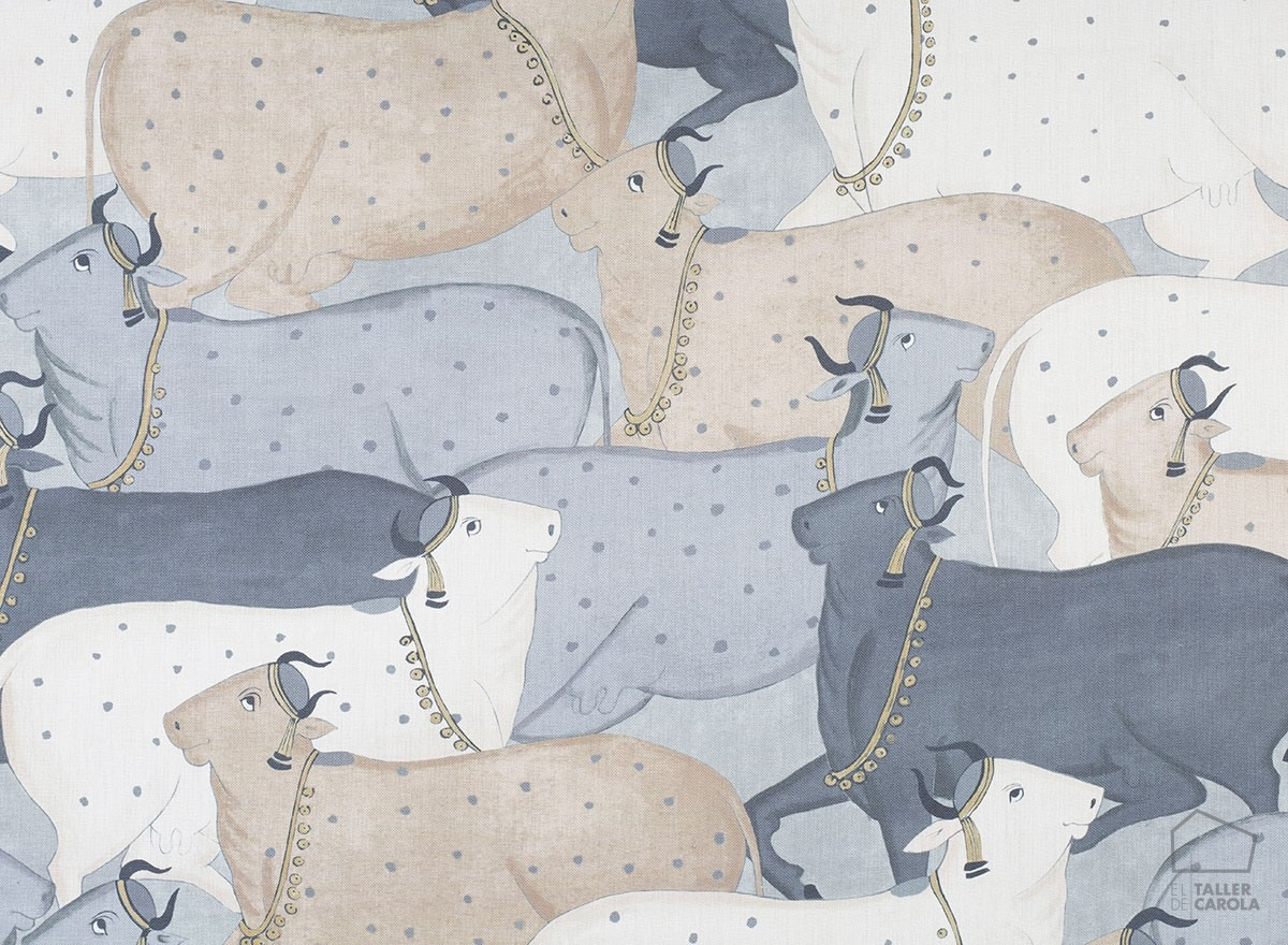 056nan02 Cows Linen Fabric Blue