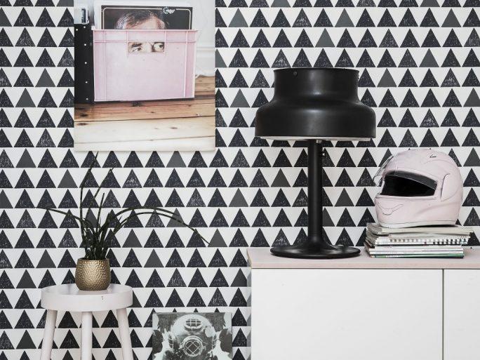 papel pintado triángulos negros 059588-91-tur