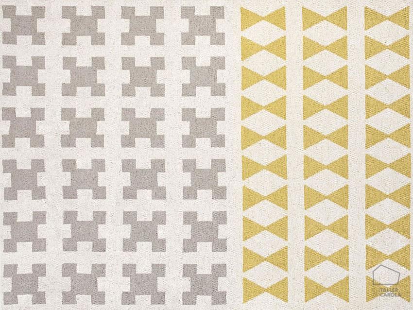 Alfombra sint tica par amarillo el taller de carola for Alfombras motivos geometricos