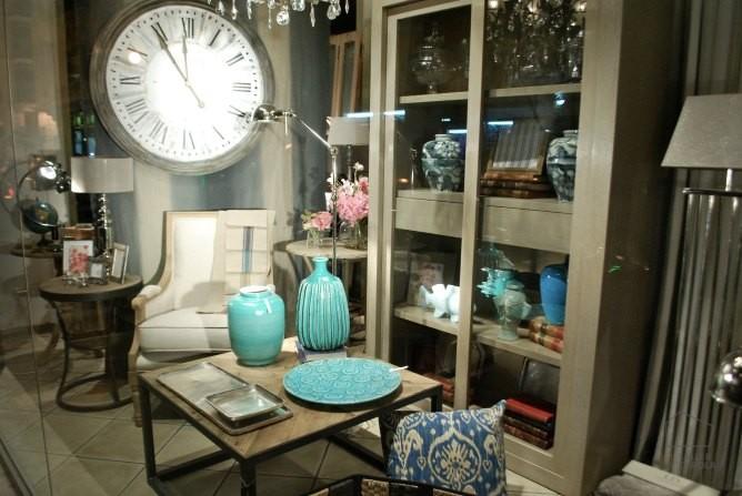 P tina gris con toques de color azul turquesa el taller for Reloj pared estilo industrial