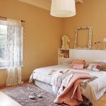 Lámpara pantalla Cinta Beige, dormitorio ( vía: revista MiCasa )