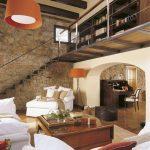 Lámpara pantalla Cinta naranja, salón ( via : revista ElMueble )